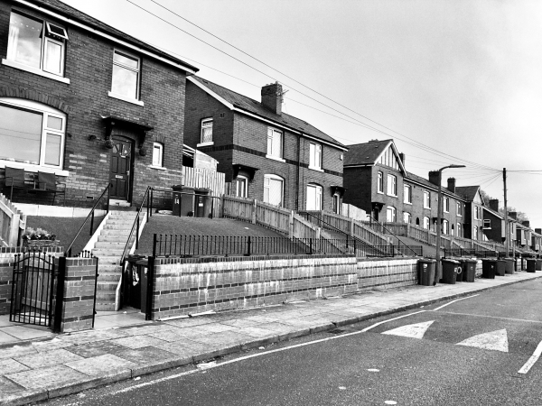 Hundreds of thousands of tenants in unsafe homes, survey finds